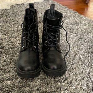 Short black lace up boots